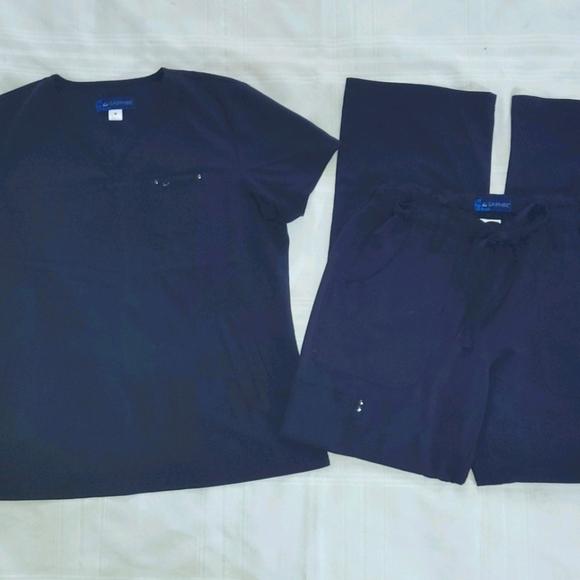 Koi Sapphire Scrub Set in Navy Blue size Medium